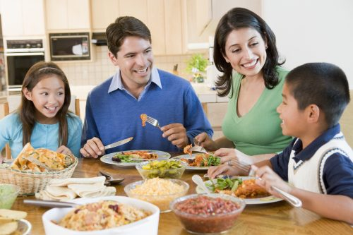 Family Dinners Are A Time To Relax And Share The Days Experiences Using Electronics At Dinner Can Take Our Attention Away Friends